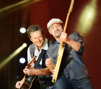 Blake Shelton at Orlando Calling 2 Thumb.jpg